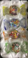 Set mit 4 Glasbonbons Blumendeko mit silber