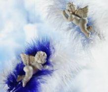 Kleine Engelfiguren Federwölkchen