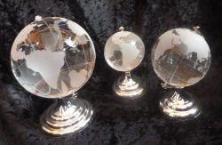 Glasglobus mit Sockel, Globusdurchmesser 5cm