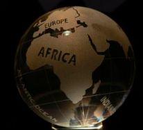 Glaskugel 8cm Globus mit engl. Text