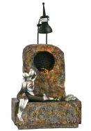 Kleiner Fiberglasbrunnen mit Silbernen Figuren Modell 1