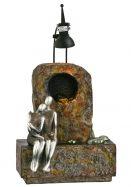 Kleiner Fiberglasbrunnen mit Silbernen Figuren Modell 2