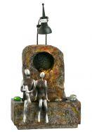 Kleiner Fiberglasbrunnen mit Silbernen Figuren Modell 4