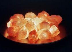 Salzfeuer in Keramikschale